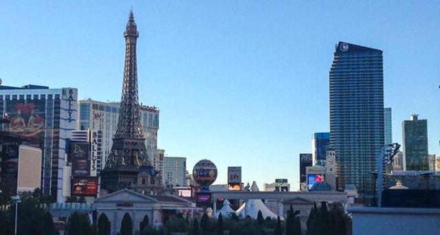 Las Vegas Christmas Weather.Christmas In Vegas The Sights Domestocrat